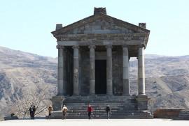 2017 yılının ilk yarısında Garni ve Zvartnots Tapınağı'nı ziyaret eden turist sayısı arttı