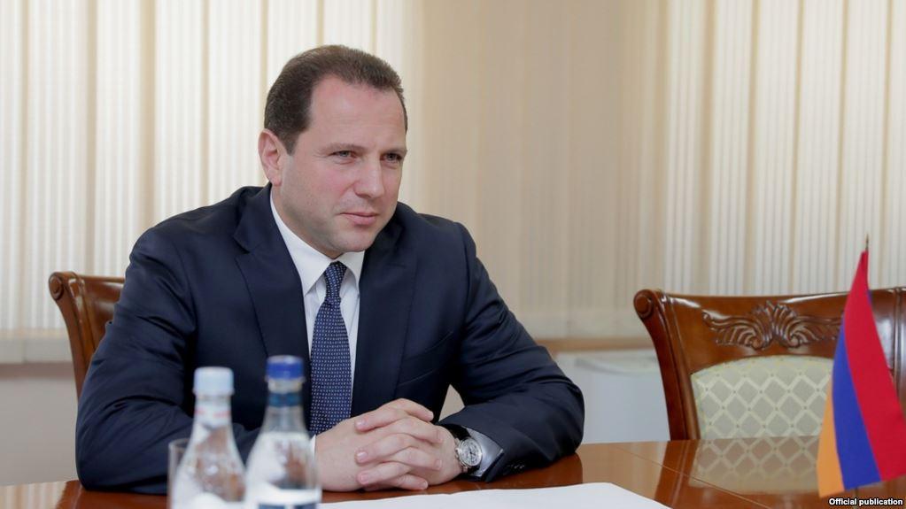 Ermenistan Savunma Bakanı: Rusya ile bütün askeri teslimatlar hakkında anlaştık