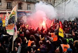 Fransa'daki genel grevde hükümete 1 hafta süre verildi