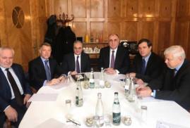 Ermenistan ile Azerbaycan Dışişleri Bakanları, Cenevre'de bir araya geldi