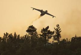 В Турции упал в море учебный военный самолет (Видео)